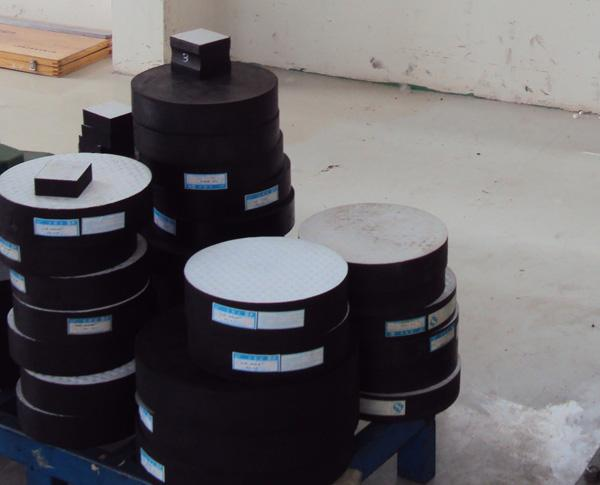 d650圆形板式阻尼橡胶支座